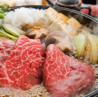 すSukiyaki course (selected beef) 3,800 yen per person